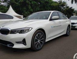 First Drive BMW 320i Dynamic 2021: Kedinamisan Sedan Termurah BMW