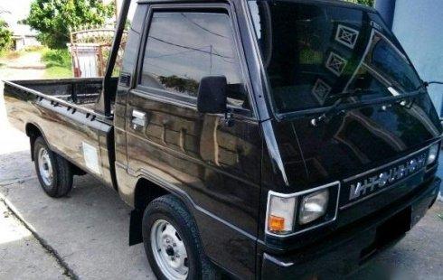 Dijual Mobil L300 Pick Up Tahun 2000 Warna Hitam