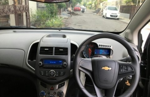 Mobil Bekas Chevrolet Aveo 2015 Surabaya 1028892