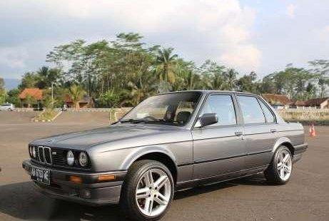 BMW E30 318i M40 1990 MT Ori 1073261 Bmw I Spesifikasi on bmw 316ti, bmw alternator, bmw 525ix, bmw 528it, bmw 518i, bmw 740il, bmw 320ci,