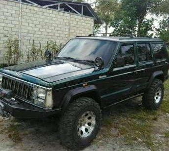 Jeep Cherokee 4x4 >> Dijual Jeep Cherokee 4x4 At Tahun 1995