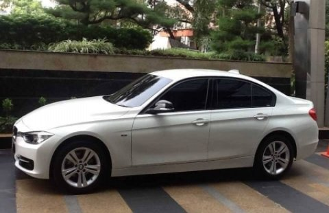 Mobil Bekas BMW 320i 2014, Cibubur 1438368 on 2013 bmw 5 series, 2013 bmw 325i, 2013 bmw 328 series, 2013 bmw e39, 2013 bmw m3, 2013 bmw 335i, 2013 bmw 745i, 2013 bmw x3, 2013 bmw 1 series, 2013 bmw 330i, 2013 bmw 520i, 2013 bmw x6, 2013 bmw i320, 2013 bmw x5, 2013 bmw 535i gt xdrive, 2013 bmw 320xi, 2013 bmw 328i, 2013 bmw 3 series, 2013 bmw 318ci, 2013 bmw 4 series,