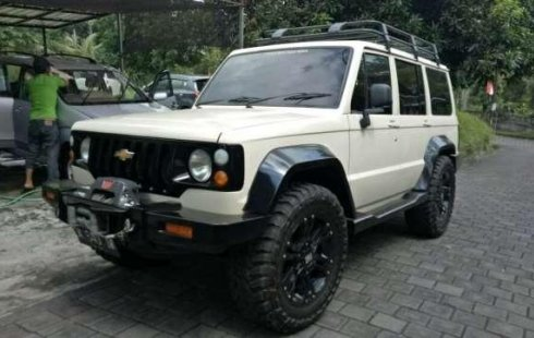 Chevrolet Trooper 91 4x4 Aktif Bensin Full Modifikasi Bukan