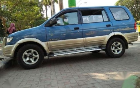 Dijual Chevrolet Tavera 2002 Bensin Bentuk Persis Panther Touring