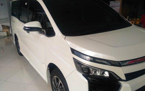 Jual Mobil Toyota Voxy 2018