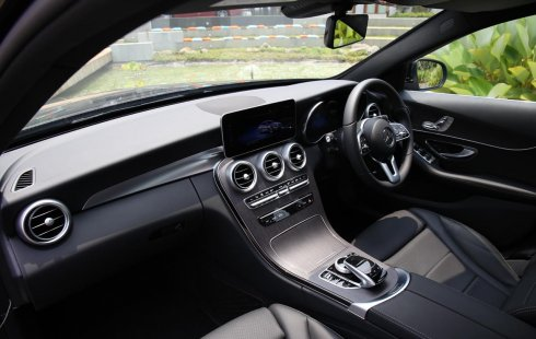 Jual Mercedes-Benz C-Class C200 Avantgarde 2019