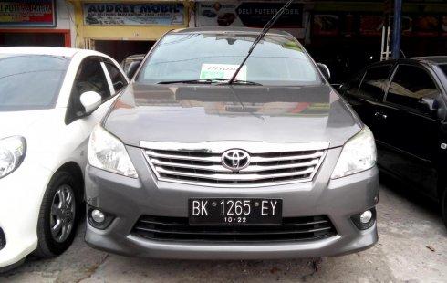 Mobil Toyota Kijang Innova 2.5 V 2012 dijual
