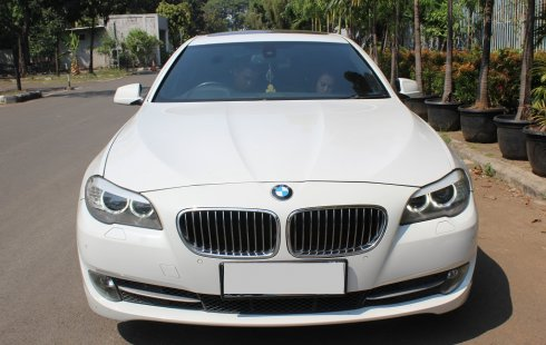 Jual mobil BMW 5 Series 520i 2012 harga murah di DKI Jakarta