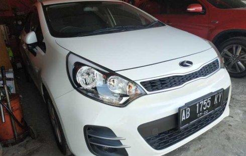 Mobil Kia Rio 1.5 Manual 2016 terawat di DIY Yogyakarta
