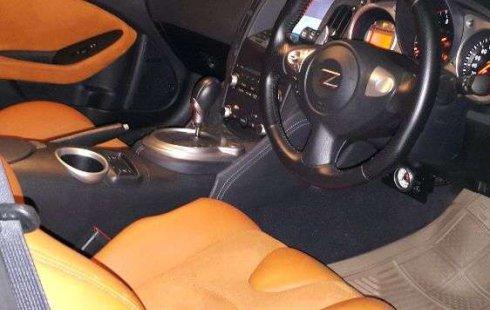 Mobil Nissan 370Z 2011 terbaik di Jawa Timur