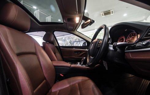 Moibil BMW 5 Series 520i Luxury 2015 terbaik di DKI Jakarta