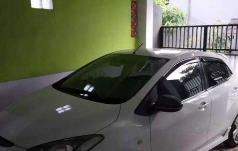 Jawa Barat, Mazda 2 R 2010 kondisi terawat