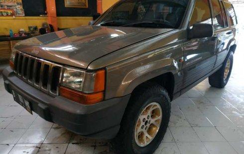 Jual Jeep Grand Cherokee V8 5.7 Automatic 2002 bekas di DIY Yogyakarta