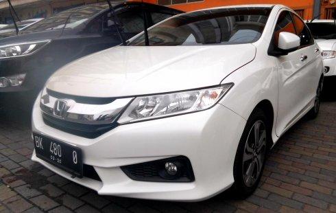 Jual mobil bekas Honda City E 2015 dengan harga murah di Sumatra Utara