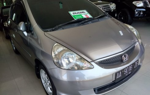 Jual mobil bekas Honda Jazz i-DSI 2007 dengan harga murah di Jawa Tengah