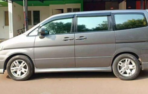 Mobil Nissan Serena 2010 Highway Star Autech dijual, Jawa Barat