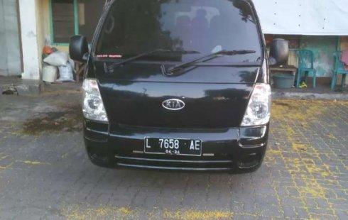Mobil Kia Travello 2009 dijual, Jawa Timur