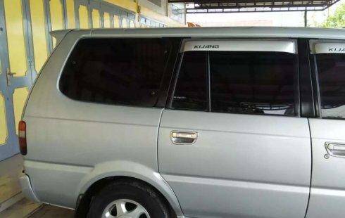 Mobil Toyota Kijang 2000 LGX terbaik di Sumatra Utara