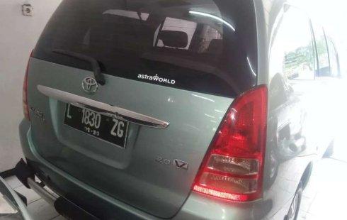 Jawa Timur, Toyota Kijang Innova V 2005 kondisi terawat