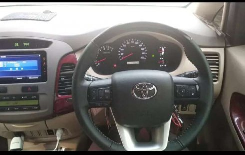 Jual Toyota Kijang Innova V 2005 harga murah di Jawa Barat