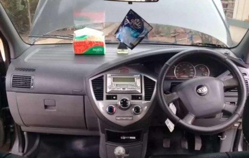 Mobil Kia Carens 2004 terbaik di Jawa Tengah