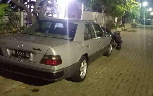 Jawa Tengah, Mercedes-Benz E-Class E 230 1991 kondisi terawat