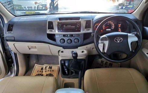 Jual Toyota Hilux G 2015 harga murah di Jawa Timur