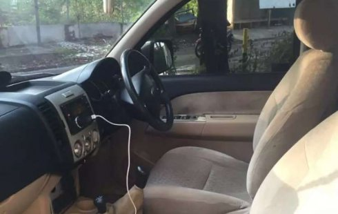 Mobil Ford Everest 2012 dijual, Jawa Timur