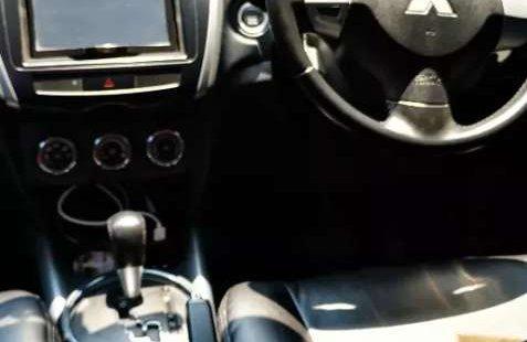 Dijual mobil bekas Mitsubishi Outlander Sport PX, Jawa Timur