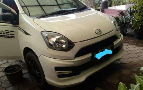 Mobil Daihatsu Ayla 2014 D terbaik di Jawa Barat