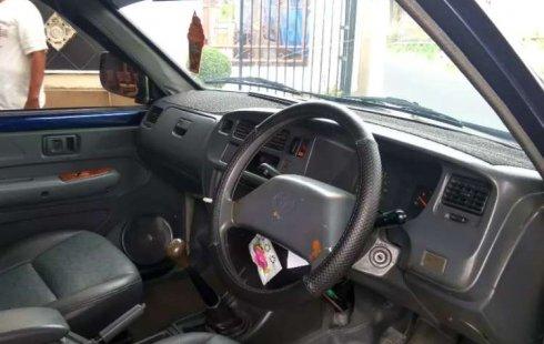 Mobil Toyota Kijang 2002 Kapsul terbaik di DIY Yogyakarta