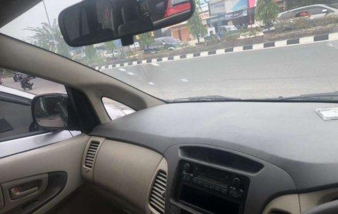 Mobil Toyota Kijang Innova 2010 E dijual, Riau