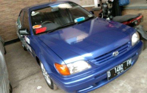 Mobil Toyota Soluna 2000 XLi terbaik di Jawa Barat