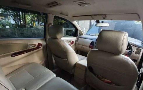 Mobil Toyota Kijang Innova 2004 V dijual, Sumatra Barat