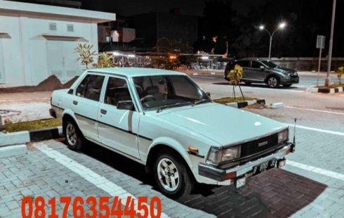 Mobil Toyota Corolla 1982 terbaik di DIY Yogyakarta