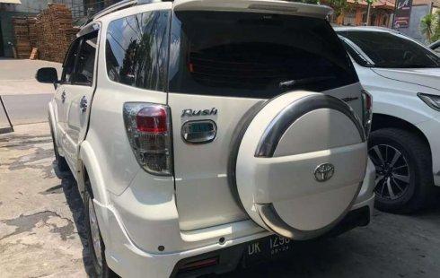 Mobil Toyota Rush 2014 TRD Sportivo terbaik di Bali
