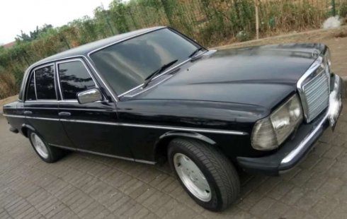 Jawa Barat, Mercedes-Benz 200 1985 kondisi terawat