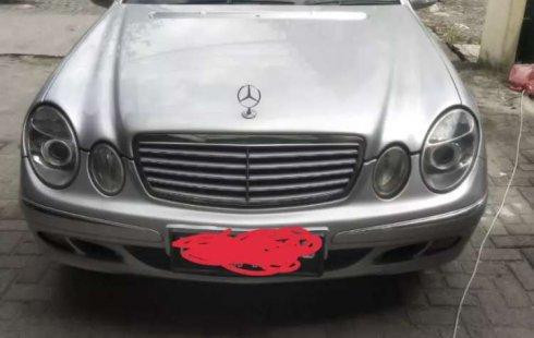 Jual mobil bekas murah Mercedes-Benz E-Class 260 2003 di Sumatra Utara