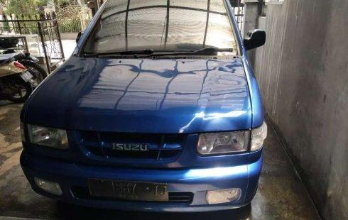 Mobil Isuzu Panther 2001 LS terbaik di Jawa Barat