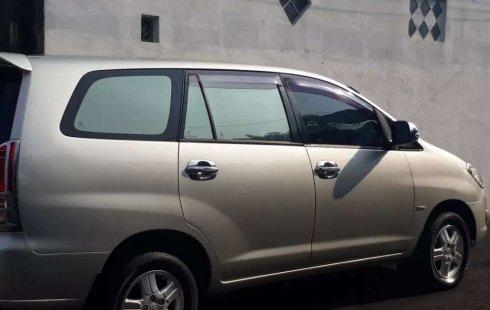 Jawa Barat, Toyota Kijang Innova G 2005 kondisi terawat