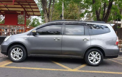 Mobil Nissan Grand Livina 2012 SV terbaik di Jawa Tengah