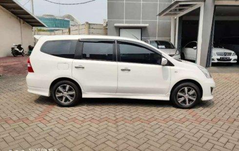 Mobil Nissan Grand Livina 2012 Highway Star terbaik di Banten