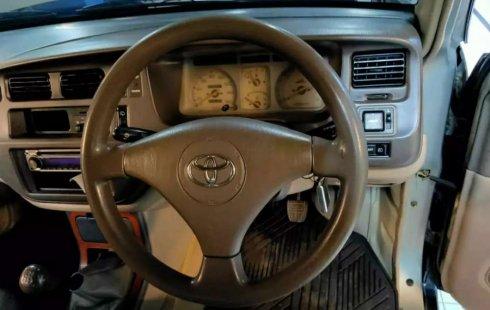 Jual Toyota Kijang Krista 2002 harga murah di Jawa Timur