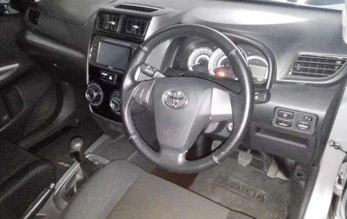 Jawa Timur, Toyota Avanza Veloz 2017 kondisi terawat