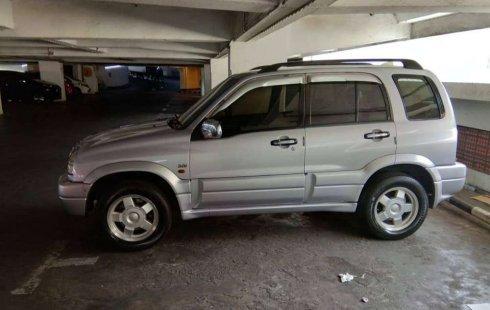 Jual mobil Suzuki Escudo 2.0i 2001 bekas, Jawa Timur
