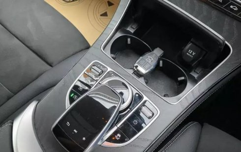 Jual mobil Mercedes-Benz GLC 200 2019 terbaik di DKI Jakarta