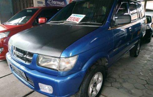 Jual mobil Isuzu Panther 2.2 Manual 2001 dengan harga murah di DIY Yogyakarta
