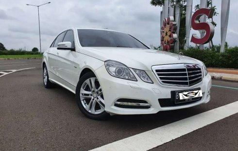 Banten, jual mobil Mercedes-Benz E-Class E250 2012 dengan harga terjangkau