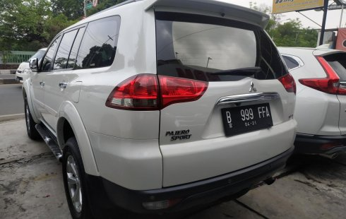 Dijual cepat mobil Mitsubishi Pajero Sport Dakar 4X2 AT 2015, Jawa Barat