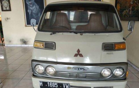 Jual mobil Mitsubishi Colt 1.5 Manual 1981 dengan harga murah di Jawa Tengah